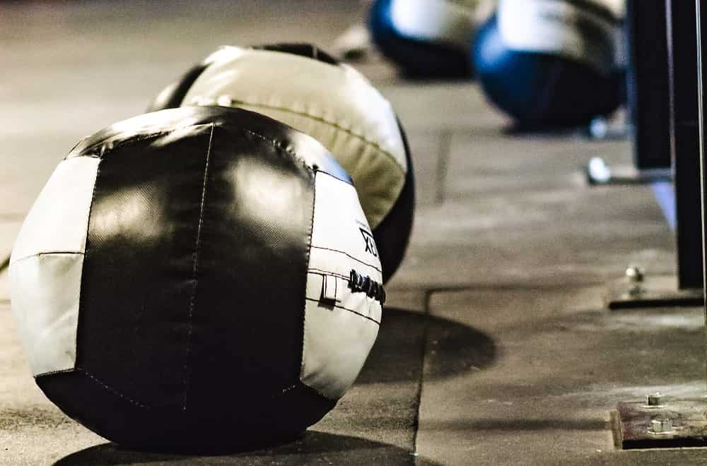 6 Best Medicine Balls for Working Out at Home