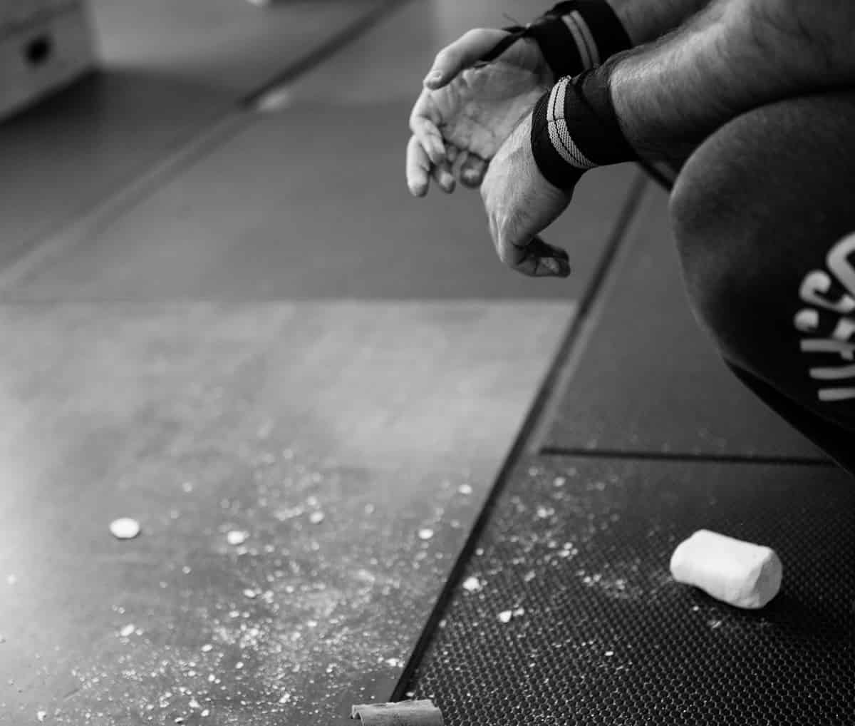 5 Best Lifting Chalks for Dominating Your Workouts