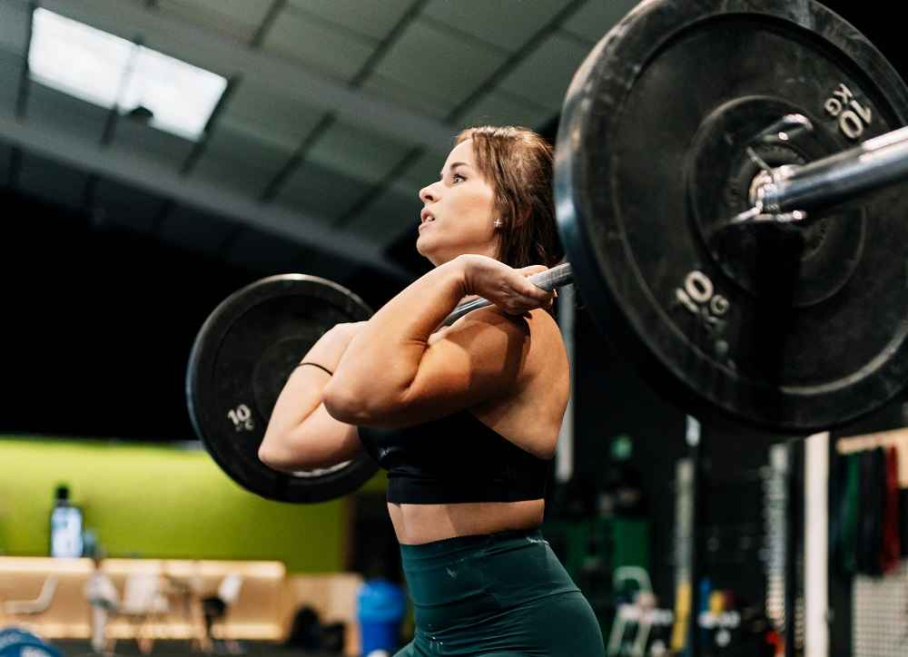 Reasons to Invest in a Pair of Weightlifting Shoes