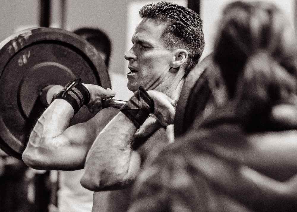 Olympic Barbell vs Powerlifting Barbells – What's the Difference